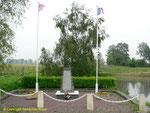 Denkmal für die 404th Fighter Bomber Group der 9th US Army Air Force I