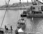 Versenkte deutsche Schiffe blockieren den Hafen IV