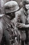 MG-Team der Fallschirmjäger