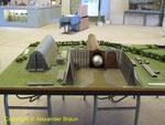 Modell der beiden Hangar, heute steht nur noch der linke Bau