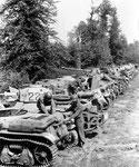 Französiche Beutpanzer, die von der Wehrmacht in Montebourg aufgegeben wurden