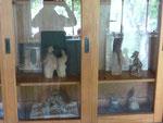 Armoire historique Caco et Sylvie dans salle d'expo Bouquet de Flammes