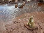 Mascotte au bord de l'eau - Bouquet de Flammes -