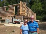 Besucher auf dem Grundstück, Ted and Beth