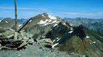 Am Gipfel des Piz Minschun 3068 m. Der Piz Tasna.