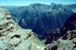 Blick vom Duerrenstein ins Hoehlensteiner Tal und auf die Sextener Dolomiten
