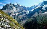 Blick vom Höhenweg Tanzbödeli - Obersteinberg zu Jungfrau, Rottalgletscher, Ebnefluh und Mittaghorn.