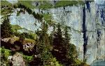 Die untere Fründenschnur über der 150 bis 200 m hohen Felswand über dem Oeschinensee