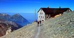 Die Blümlisalphütte (2834 m)