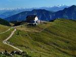Foto von 2013 mit Panasonic DMC FX-10: Blick zum Rotwandhaus, Großglockner und Großvenediger