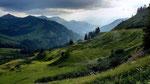 Am Furkajoch - Blick nach Westen auf das Laternser Tal