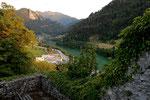 Ennstal Fluss aufwaerts von Ruine Losenstein