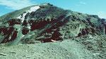 Der Gipfelaufbau des Piz Minschun. Die Wegspur ist zu erkennen.