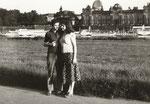 Michael und Luise Horwath vor der Kunsthochschule in Dresden, 1974