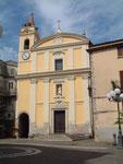 La Facciata della Chiesa di Sant'Angelo e la Piazza