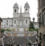 Kirche Trinità dei Monti oberhalb der Spanischen Treppe