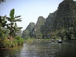 Kanal durch die Trockene Halongbucht