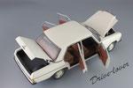 Mercedes-Benz 220 D W115 Autoart 76182