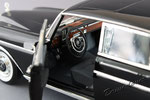 Mercedes-Benz 300SE с двумя фигурками Revell 09050