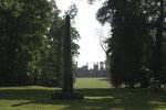 L'obélisque, le parc et le château
