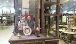 Dans le magasin touristique de la Route des Rois
