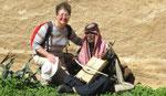 Avec un bédouin musicien
