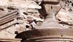 Bédouin sauteur au Deir de Petra