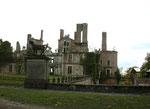 Les ruines du château après l'incendie de 1925