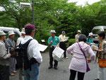 地元の観光ボランティアの熱意ある説明で、町並み散策へ