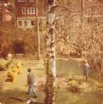 Der Garten war traurig und verwildert