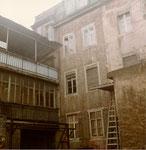 Hinterhof im unteren Bläsiring beim ehemaligen Bläsistift, 1970