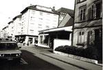 Die Kreuzung Klybeckstrasse/Bläsiring mit der Garage P.Chabeau, vormals Post (PTT), 1983