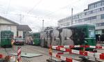Die drei von Vandalen total versprayten Anhängewagen B4 Nr. 1404, Nr.1477 und Nr.1484 vor dem Depot Dreispitz. Januar 2018