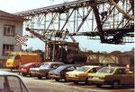 Rheinische Güterumschlags AG (ehem.Kohlenumschlags) Renovation des Krans, daher neben der Kranbahn stehend, 1979