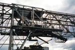 Im Klybeck-Hafen, die Kranbahn mit dem eingebautem Kohleverteiler der Rheinischen Güterumschlags AG (vorm.Rheinische Kohlenumschlages AG) 2001