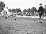 FCB-Torhüter Paul Wechlin während eines Spiels auf dem Landhof 1945-1946 / 2