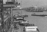 Der St.Johann-Hafen und im Hintergrund der Klybeck-Hafen 1990 (Foto aus dem Lehrmittelverlag-Stadtplan Basel Stadt 1990)