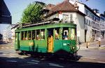 Der Tramzug der Serie Be 2/2 Nr. 199 auf der Linie 2 die Haltestelle Kunstmuseum verlassend, 1994
