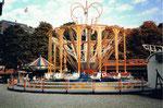 Die Basler Herbstmesse mit der Bahn «SwingUp» auf der Rosental-Anlage, 1987