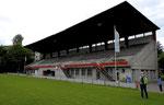 Die altehrwürdige Tribüne des Stadions «Landhof» (ehemaliger Heim-Stadion des FC Basel)