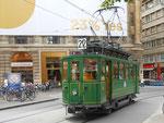 Hundert Jahre Tram nach St.Jakob. Motorwagen Be 2/2 Nr.47 auf der Linie 22 an der ehemaligen Haltestelle Hauptpost. Im HIntergrund das Unternehmen Mitte.  2016