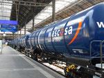 Neue Kesselwagen der Wacosa auf dem Weg von der Tschechei nach Luzern machen in Basel einen Halt, 2015