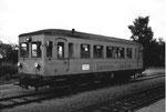 Ein Dieseltriebwagen auf der Kanderbahnstrecke im Jahre 1969