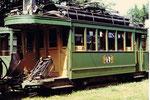 Ein nach einem Unfall schwer beschädigte Trammotorwagen der Serie Be 2/2 in der Abstellanlage Eglisee, 1972