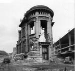 Der Abbruch der Bahnhofspost, die durch einen hässlichen Zweckbau ersetzt wurde, 1975