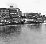 Der St.Johann-Hafen mit den Krananlagen der SPEDAG und der Allgemeinen Transport-Gesellschaft, 1958