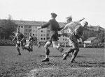 FCB-Torhüter Paul Wechlin während eines Spiels auf dem Landhof 1945-1946 / 6