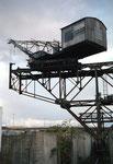 Der Kran der Kohlenversorgungs AG im Hafenbecken 2, 1989