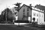 Das 1976 abgerissene Eckhaus an der Kreuzung Spalenring/Birmannsgasse im Jahre 1975