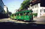 Der Tramzug Be 2/2 Nr. 198 der Linie 2 die Haltestelle Kunstmuseum verlassend, 1994